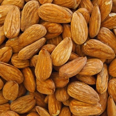 natural almonds kernels